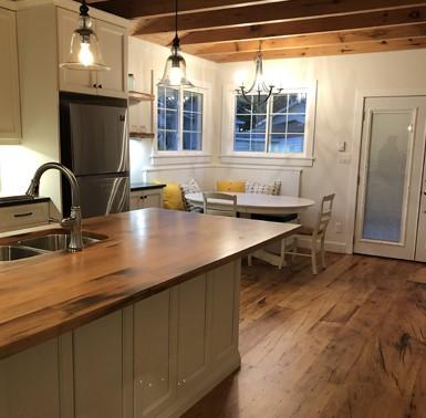 Reclaimed wood / Barn wood